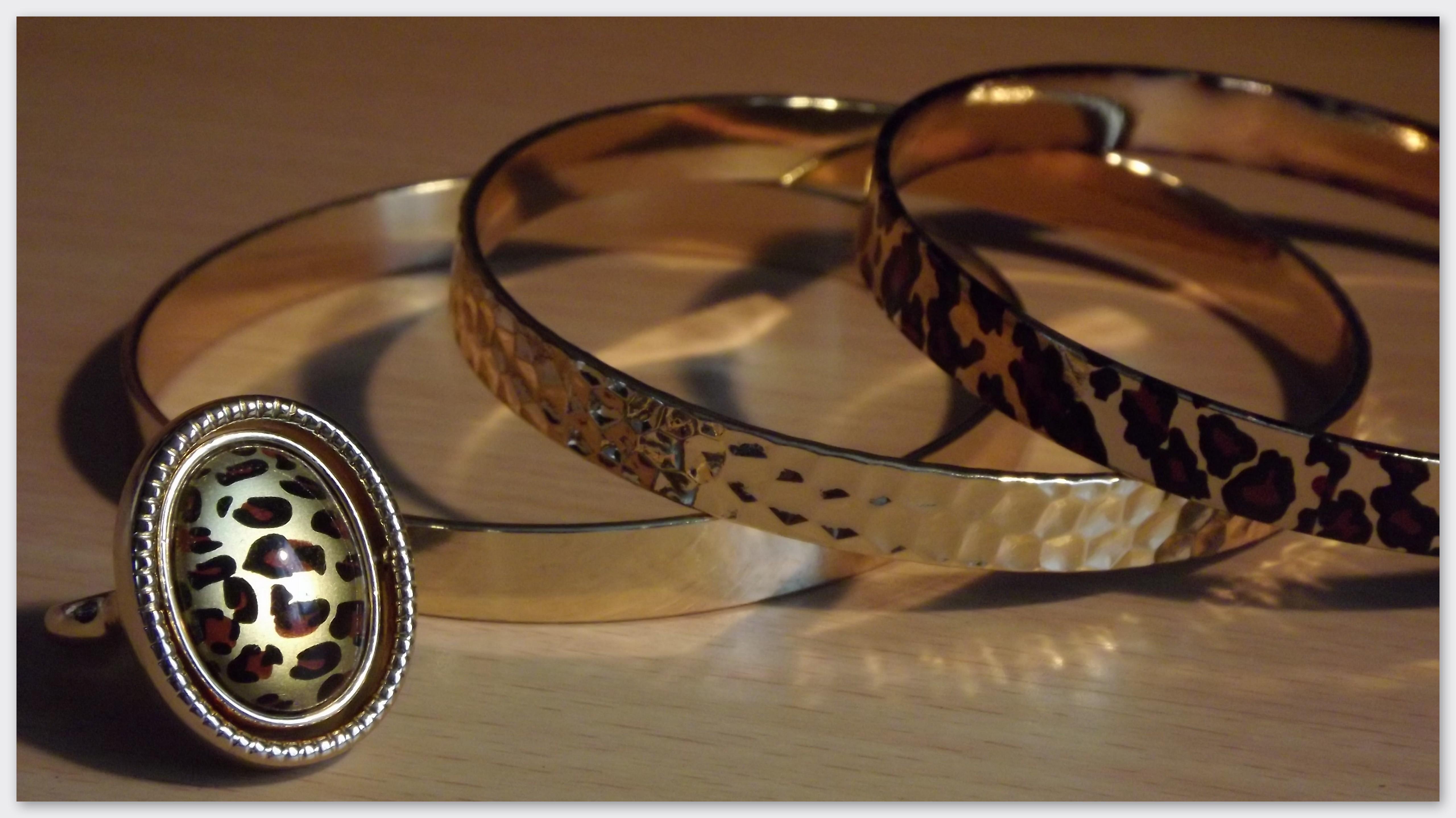 Noua colecție de bijutierii Zoey de la Avon